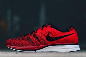 Кроссовки Nike Flyknit Racer red