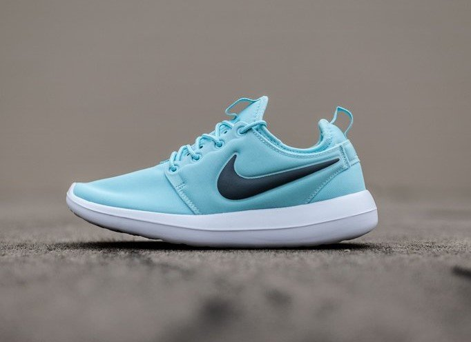 f85a9882 Кроссовки Nike Roshe TWO Green