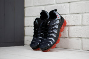 Кроссовки Nike VaporMax Plus Red Shark Tooth